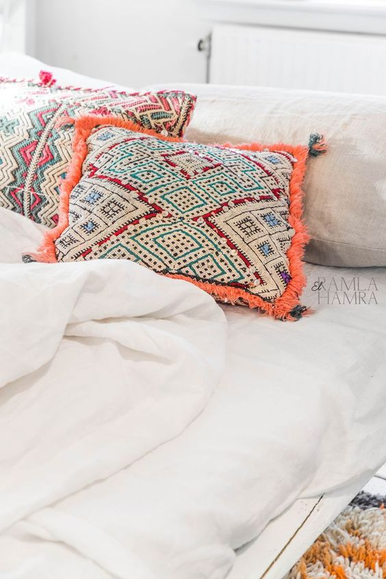 moroccan-style--pillows
