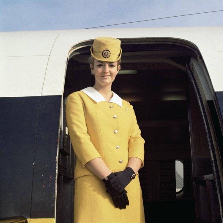 monarch-airlines-vintage-uniform