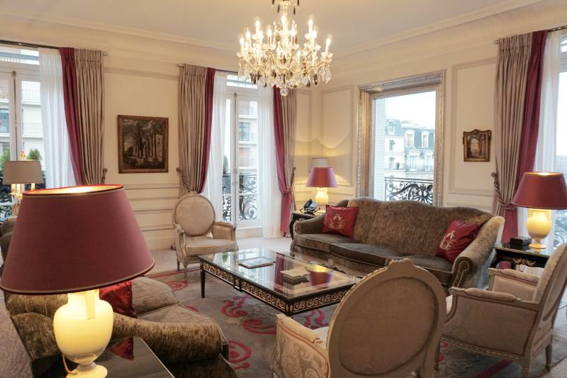 plaza-athenee-paris-maryhop