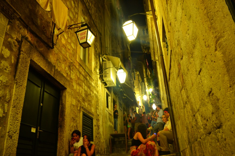 dubrovnik-nightlife