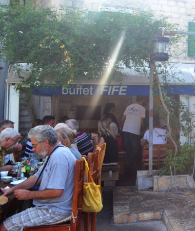 buffet-fife-split