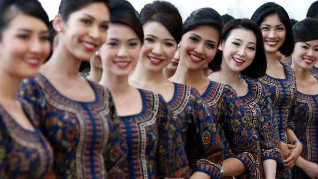 singapore-airlines-flight-attendant-uniform