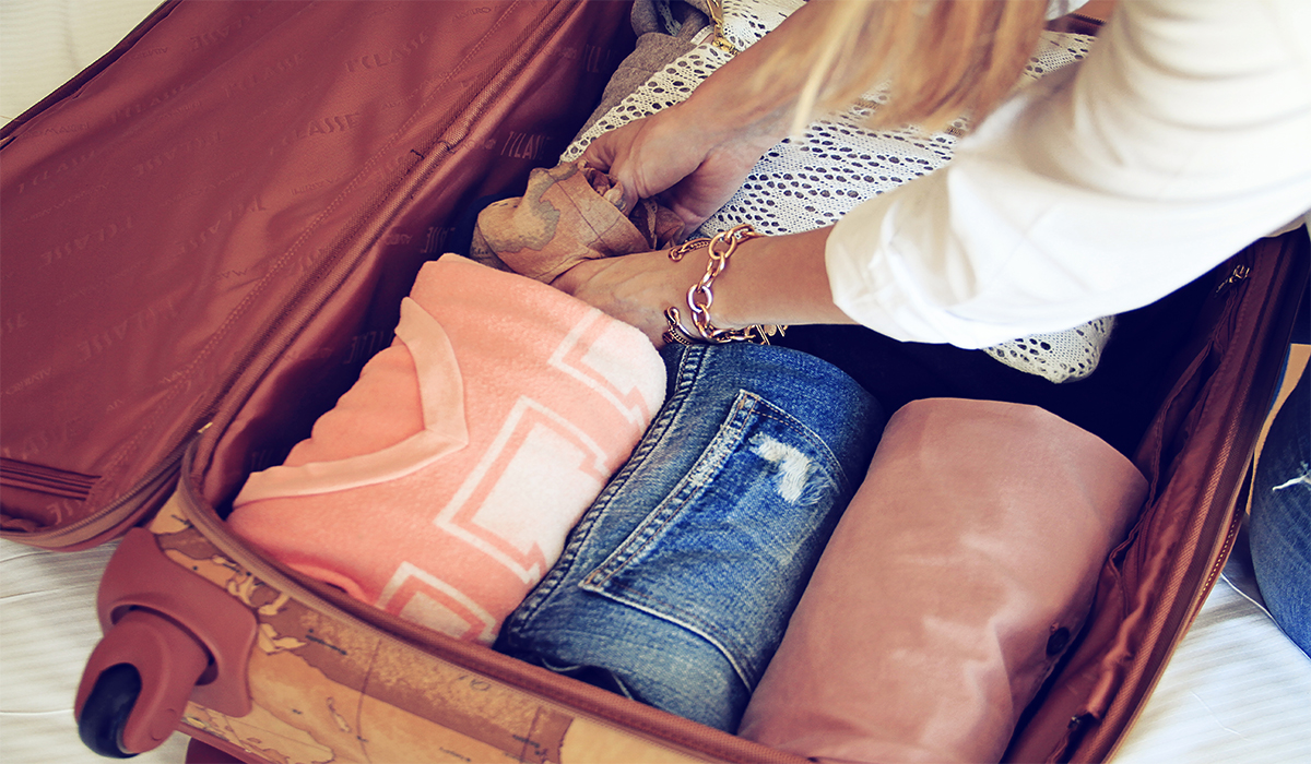 1O TIPS FOR PACKING YOUR SUITCASE