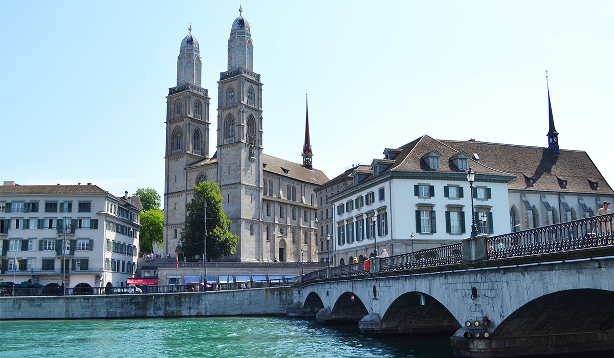TRAVEL GUIDE: 48 HOURS IN ZURICH