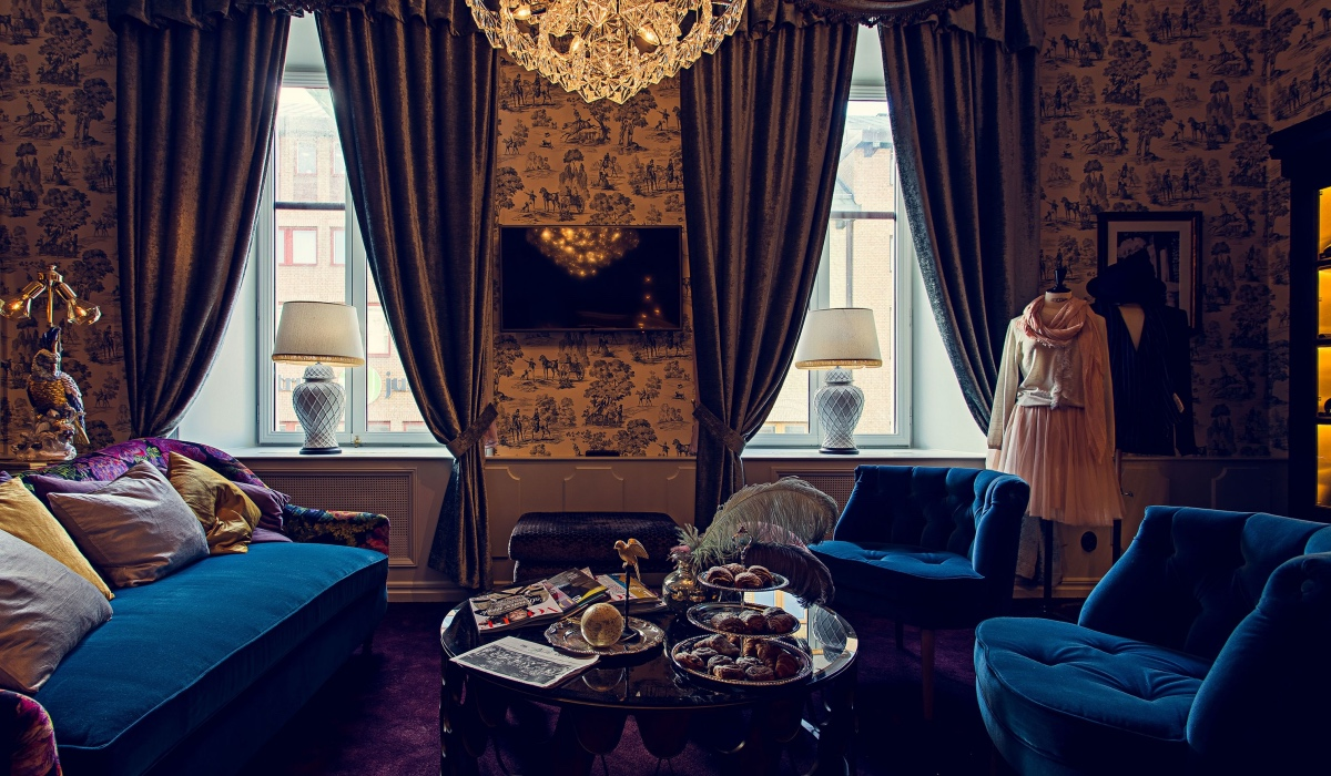 SUITE BELLE AT HOTEL PIGALLE