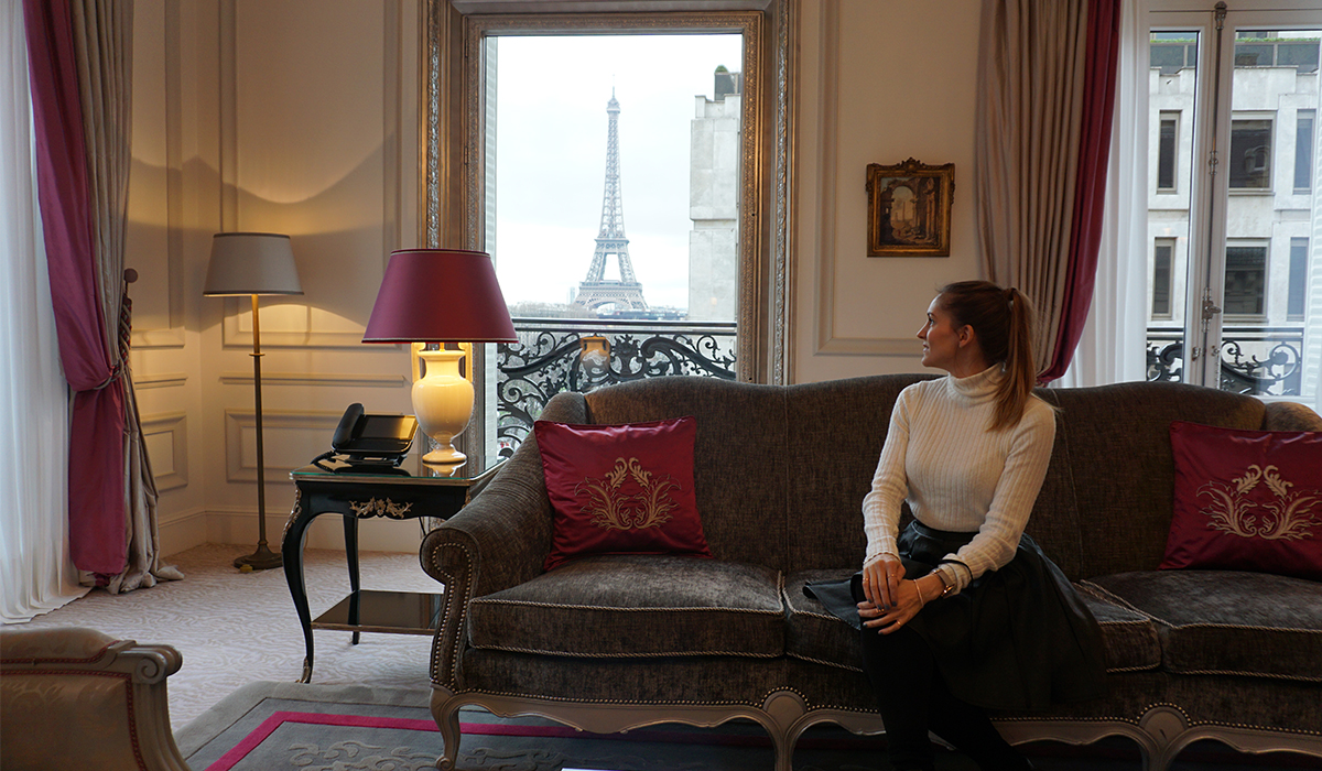 ALL THE LUXURIES AT PLAZA ATHENEE, PARIS