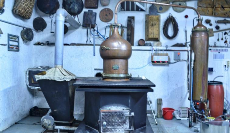 Kazanema - The Traditional Distillation of the Cretan Raki